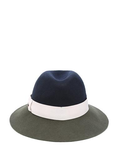 Şapka-Eugenia Kim
